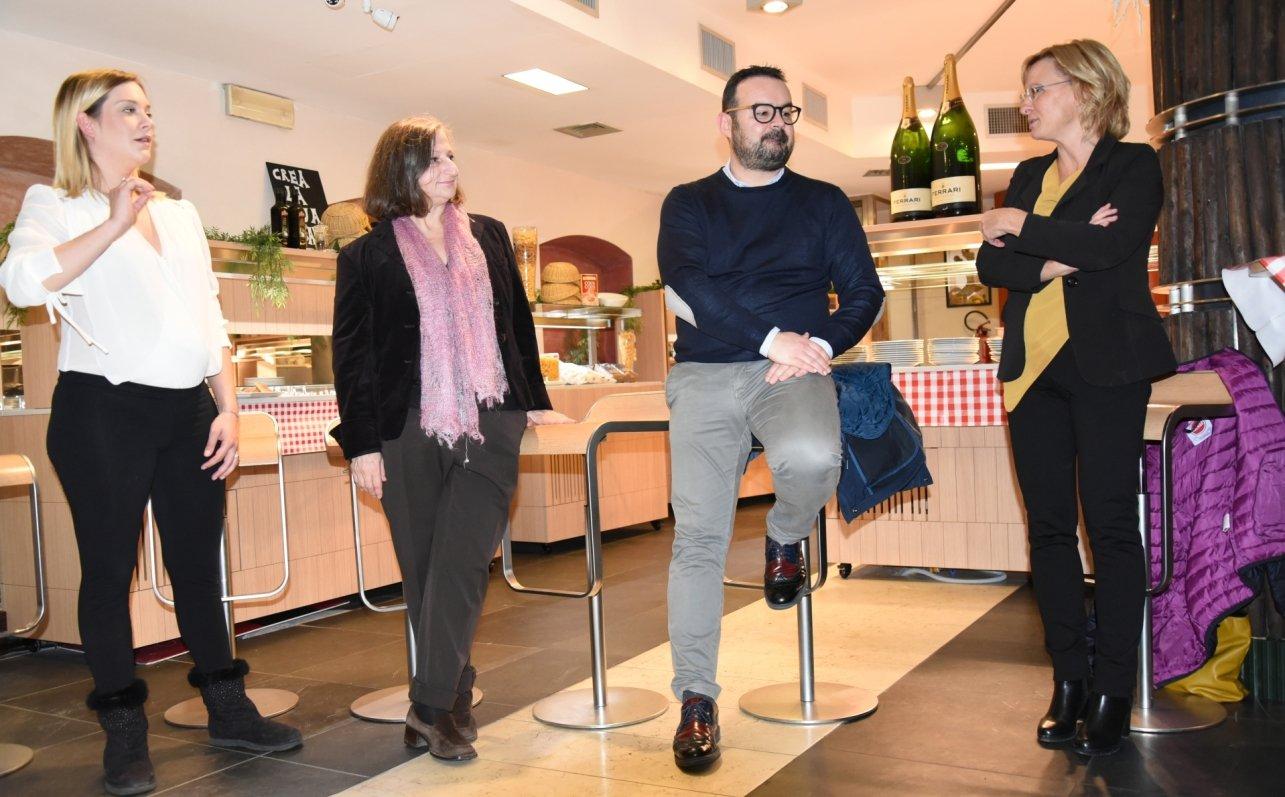 Grande successo per l'inaugurazione di Buffet Italia | Mammina che cucina!
